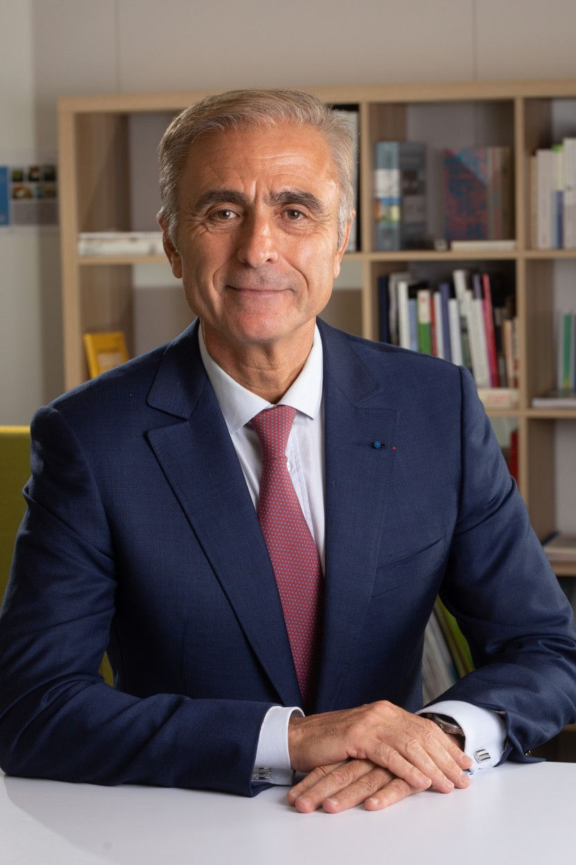 Claude Imauven, Former Chief Operating Officer Saint-Gobain