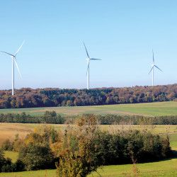 40 wind turbines in the parks of Rougemont et Vaite